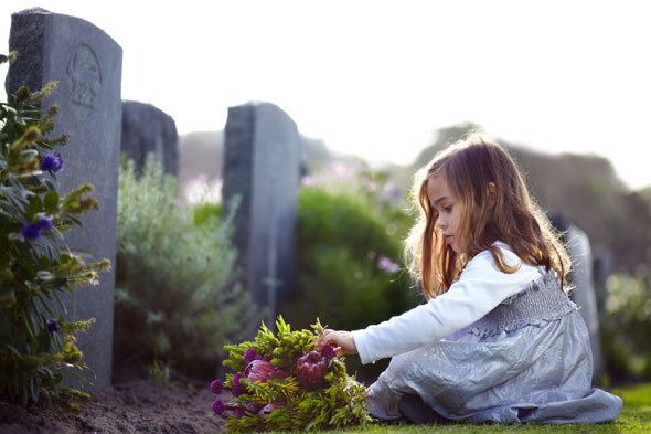 child-funeral-alamy